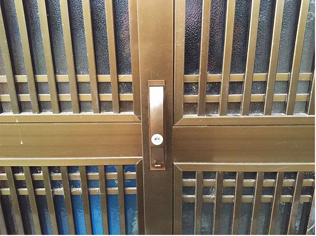 施工後の引き戸錠