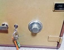 実績紹介:金庫のダイヤルがずれて開かない